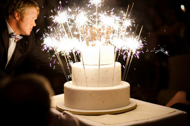 sparklers-wedding-cake