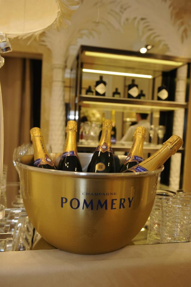 Pommery champ display
