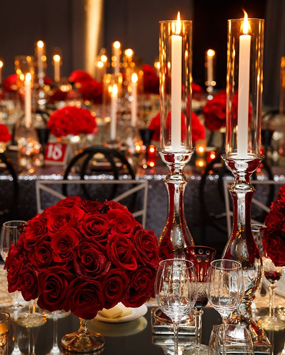 Red Rose table setting