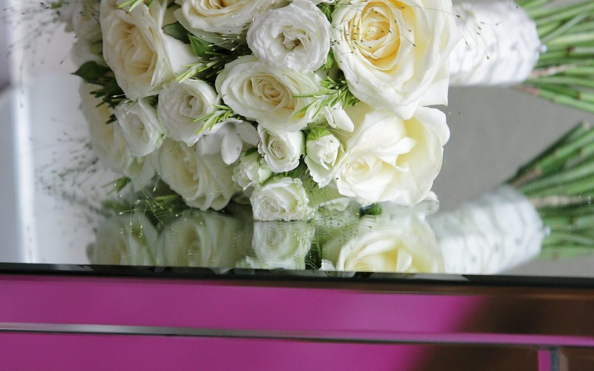 How To Choose Your Wedding Flowers by Leading Florist