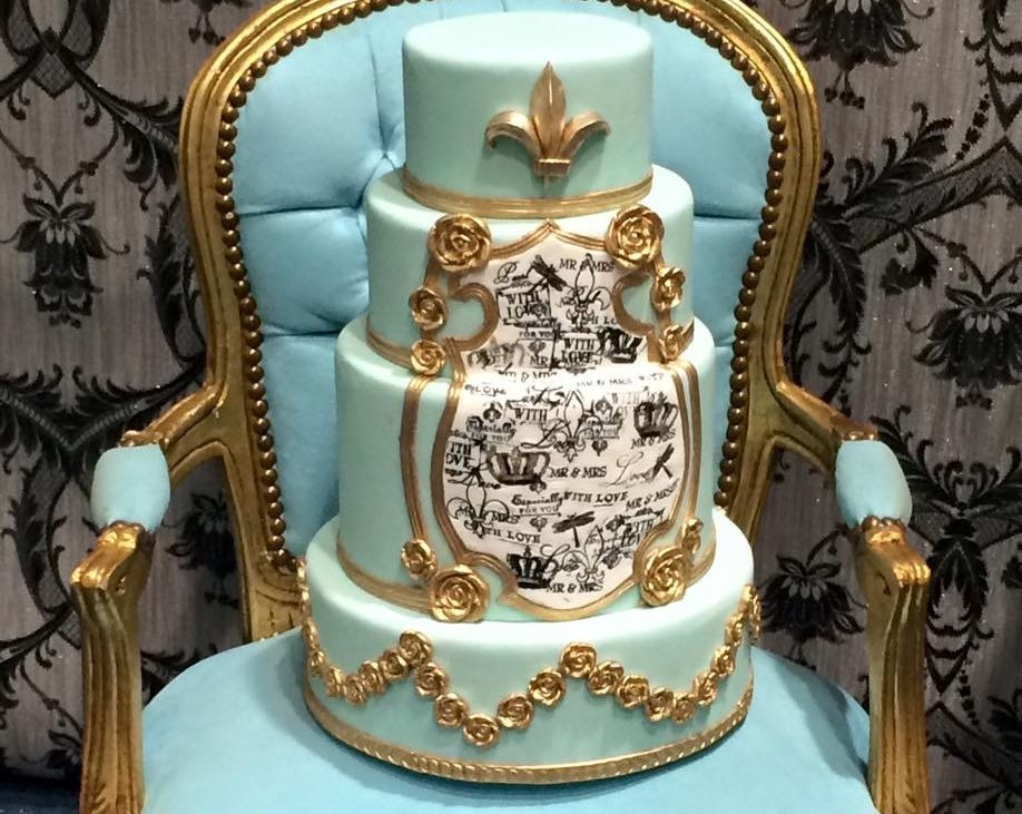 Top Tips On Choosing Your Beautiful Couture Wedding Cake