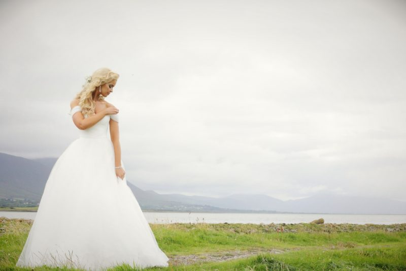 A Helpful Guide To Choosing Your Wedding Dress
