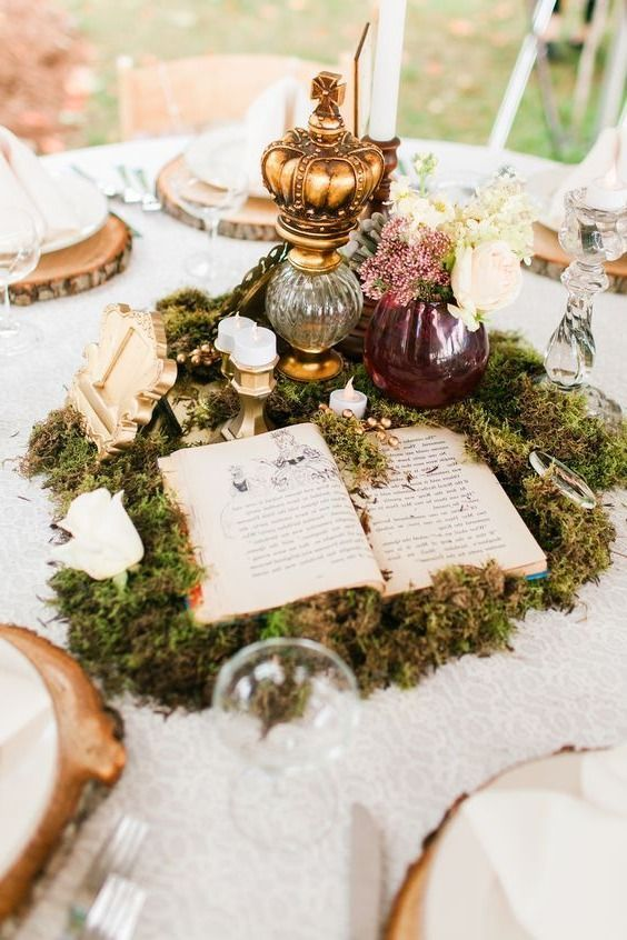 Centrepiece with book, moss, etc.